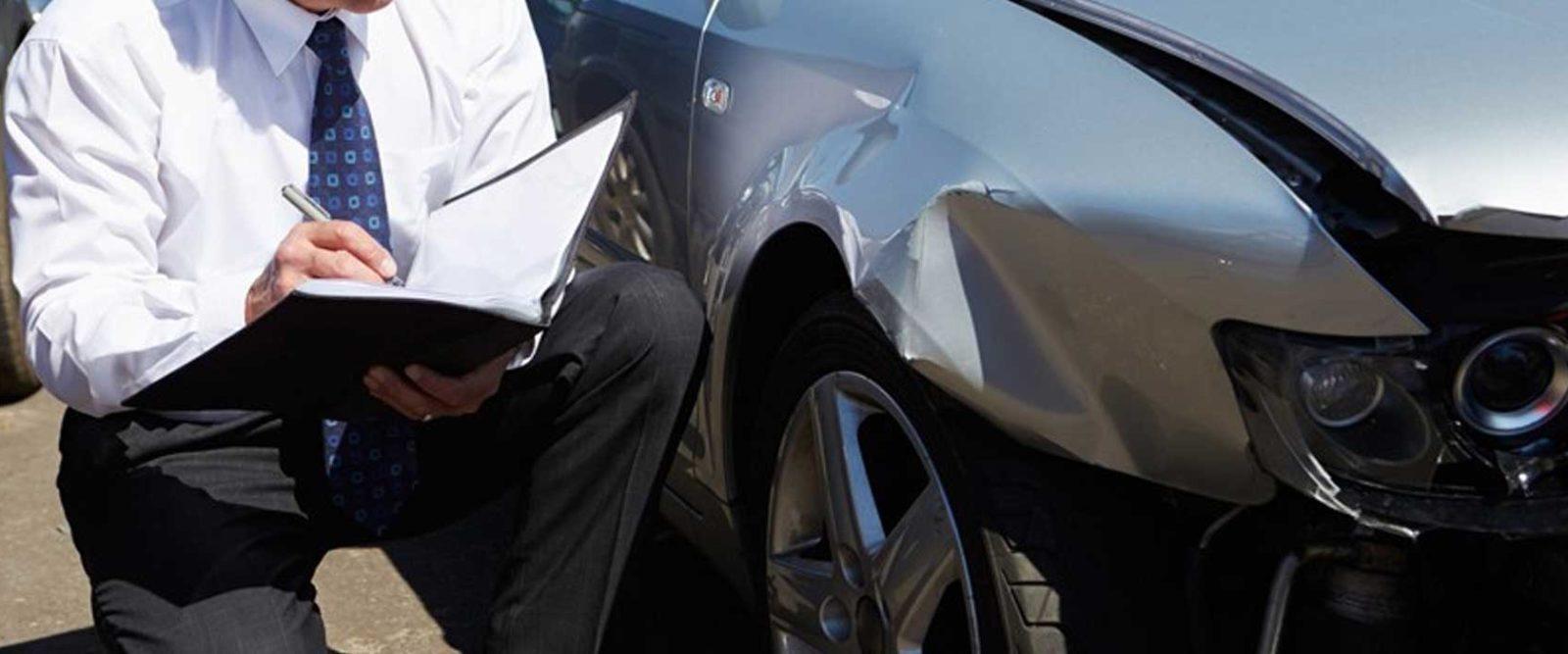 Осмотр повреждений авто после ДТП