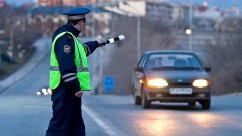 Остановка транспортного средства по требованию сотрудника полиции