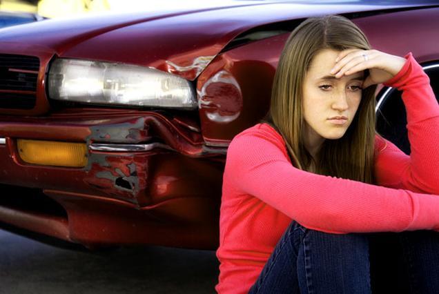 У подбитого автомобиля