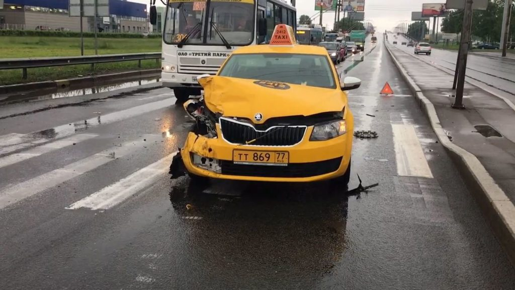 ДТП с такси в Москве