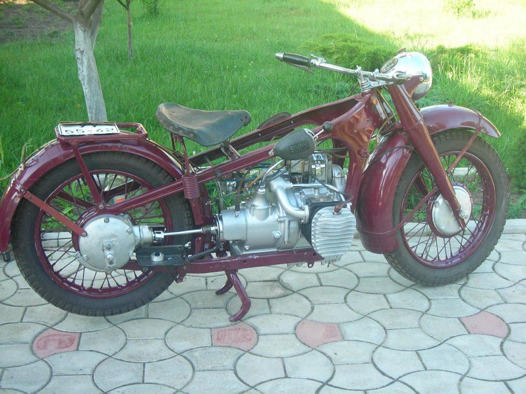 Раритетный мотоцикл в отличном состоянии