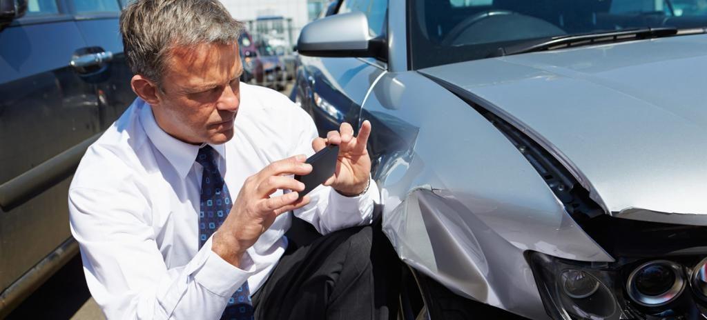 Фотофиксация повреждения кузовных деталей